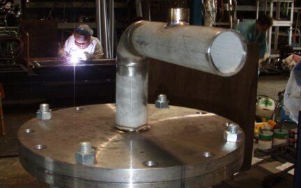 ステンレス機器 裏波溶接の配管